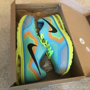 Rare Nike runner shoes